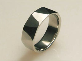 palladium hammered ring