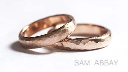 Hammered Red Gold Wedding Rings