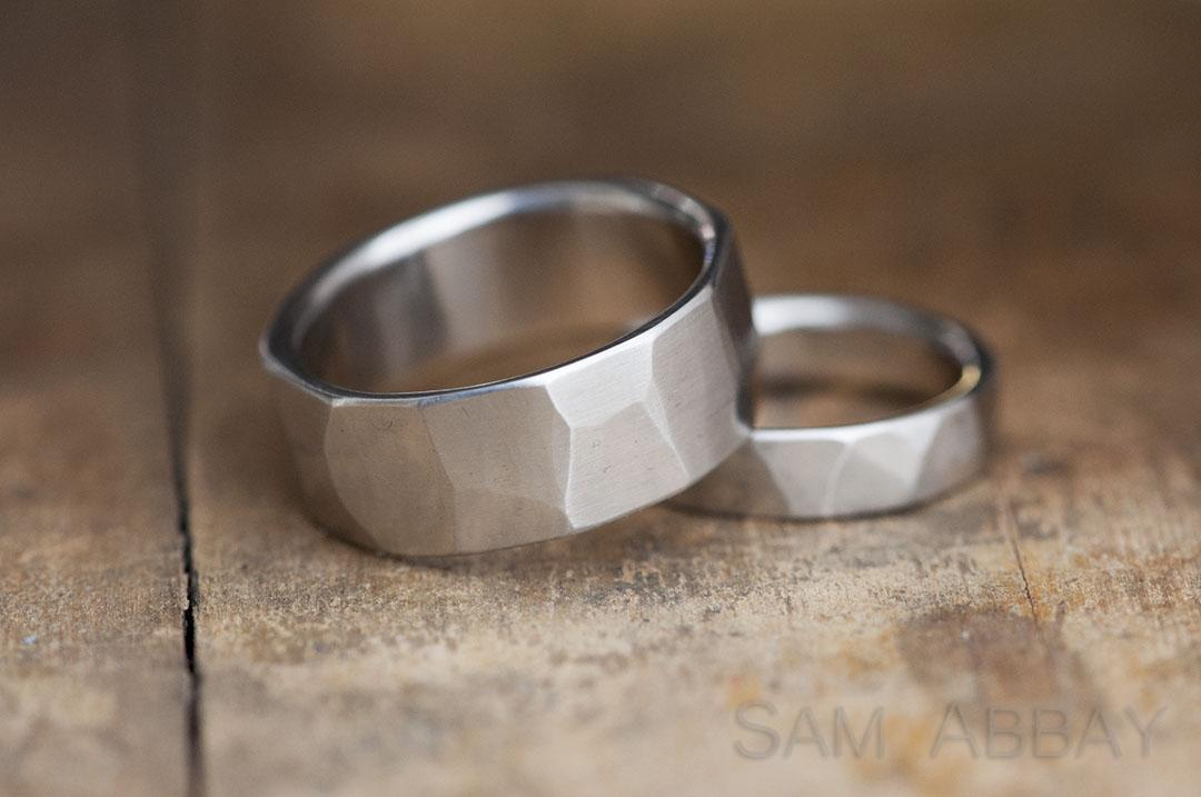 Fresh Hammered Bands – New York Wedding Ring TE48