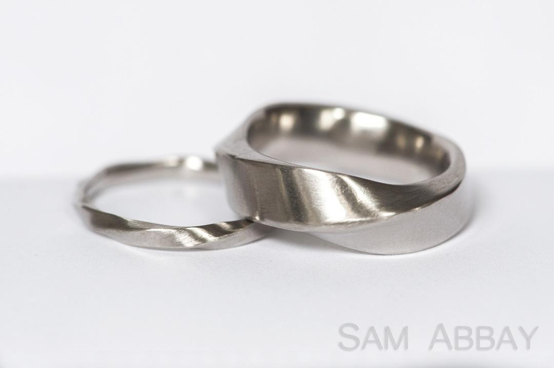 Twisted Bands – New York Wedding Ring