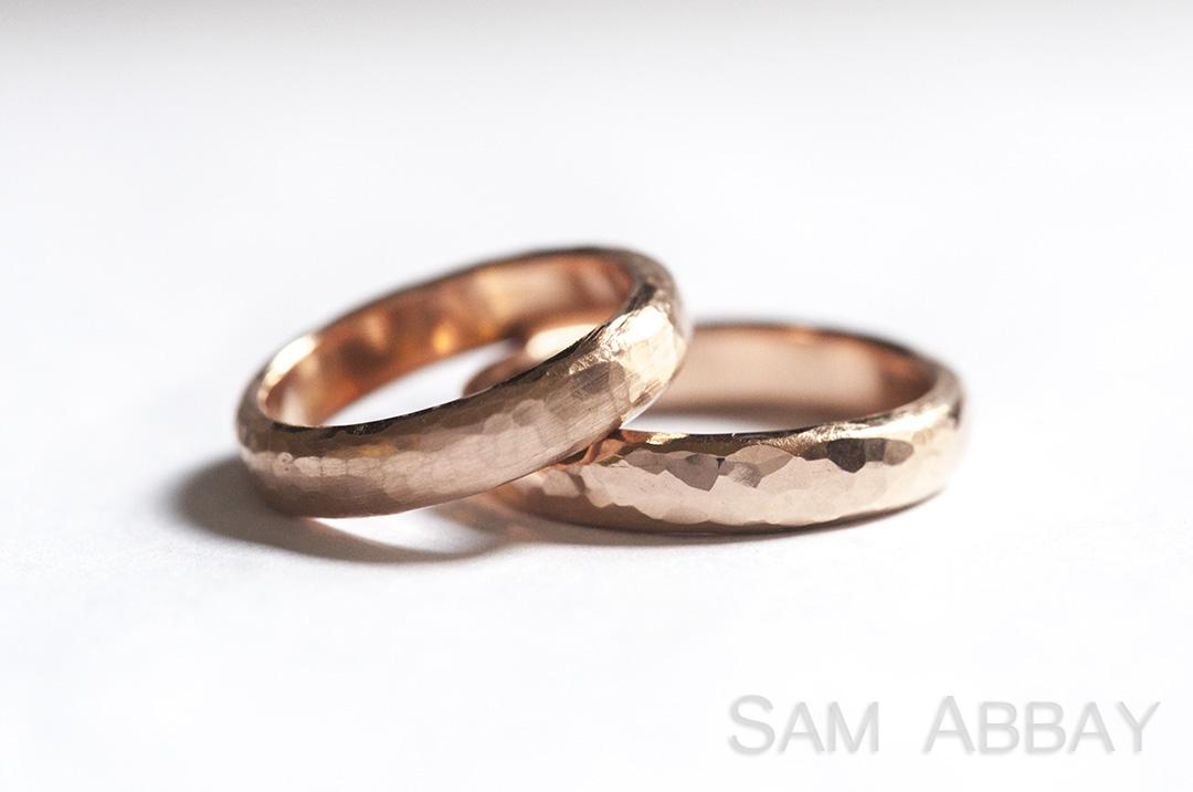 Hammered bands new york wedding ring for New york wedding ring