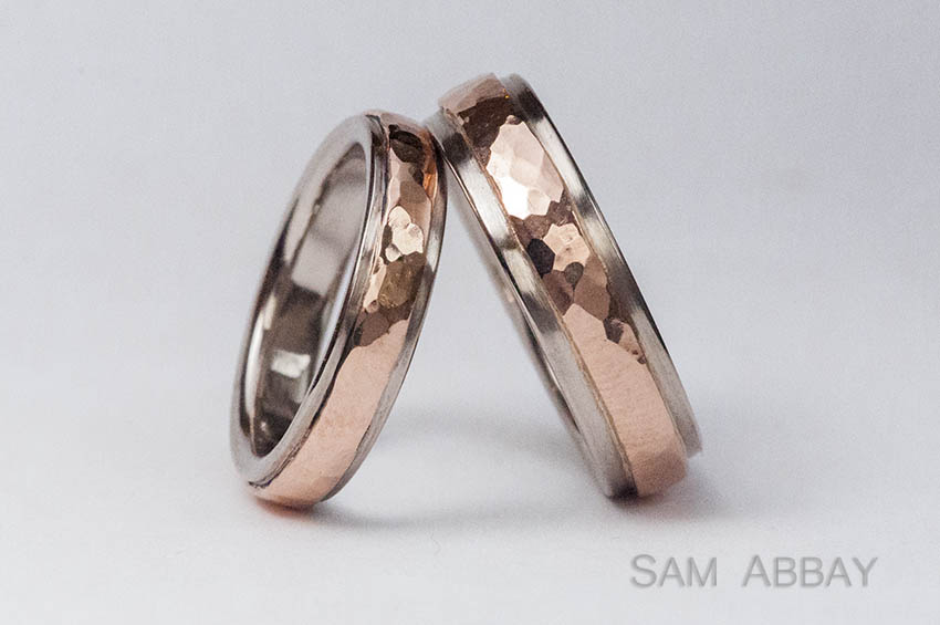 wedding rings with red gold inlay remember the hammered red gold rings from the top of the page they lost one of them - Red Wedding Rings